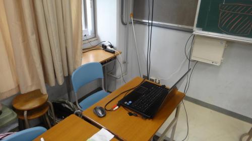 特製のPVを流すために鎮座している報道部PC